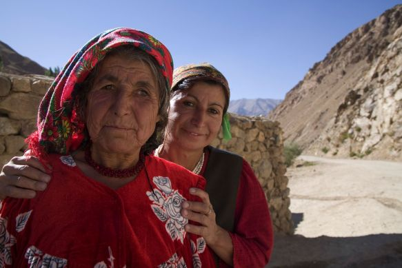 geno_2_Two women in Khorong, Tajikistan_Photo by David Evans