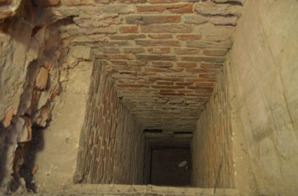 deal castle privy chute