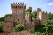 este castle closeup