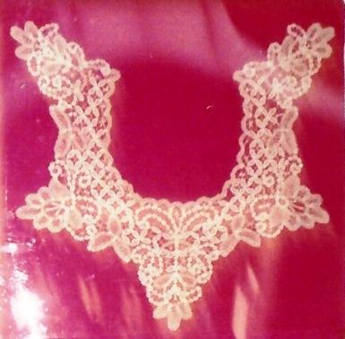 Drechsel lace collar 3